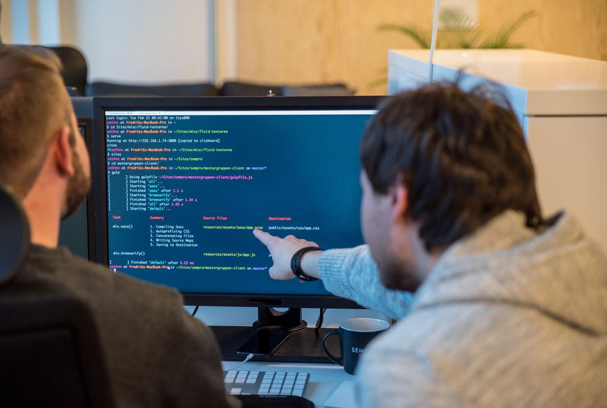 Utviklere-peker-kode-6367-3